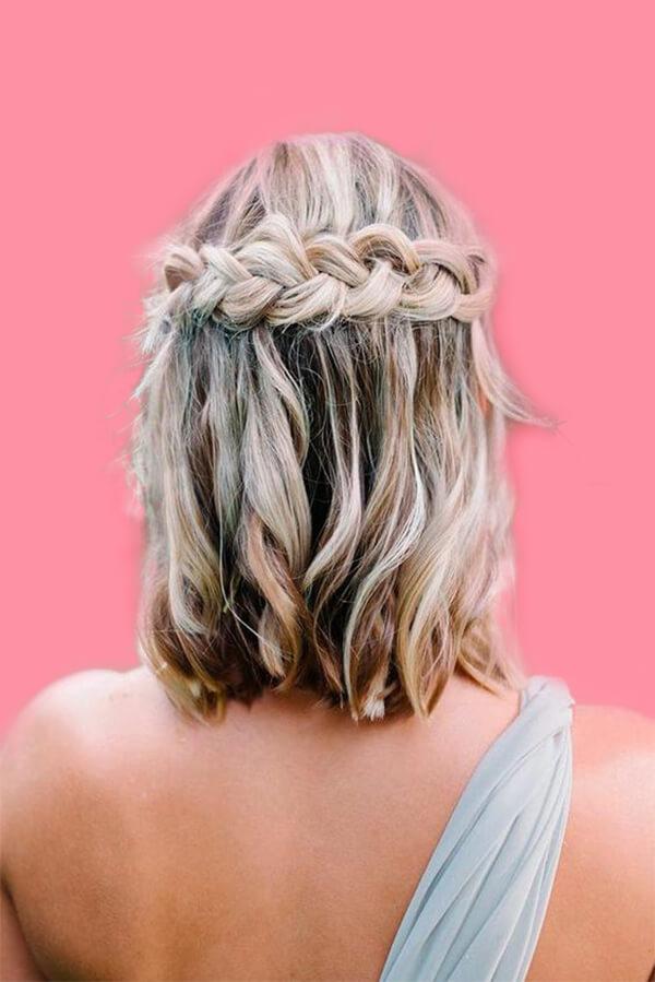 12 Stunning Medium Hairstyles Design in 2019 Trend 8