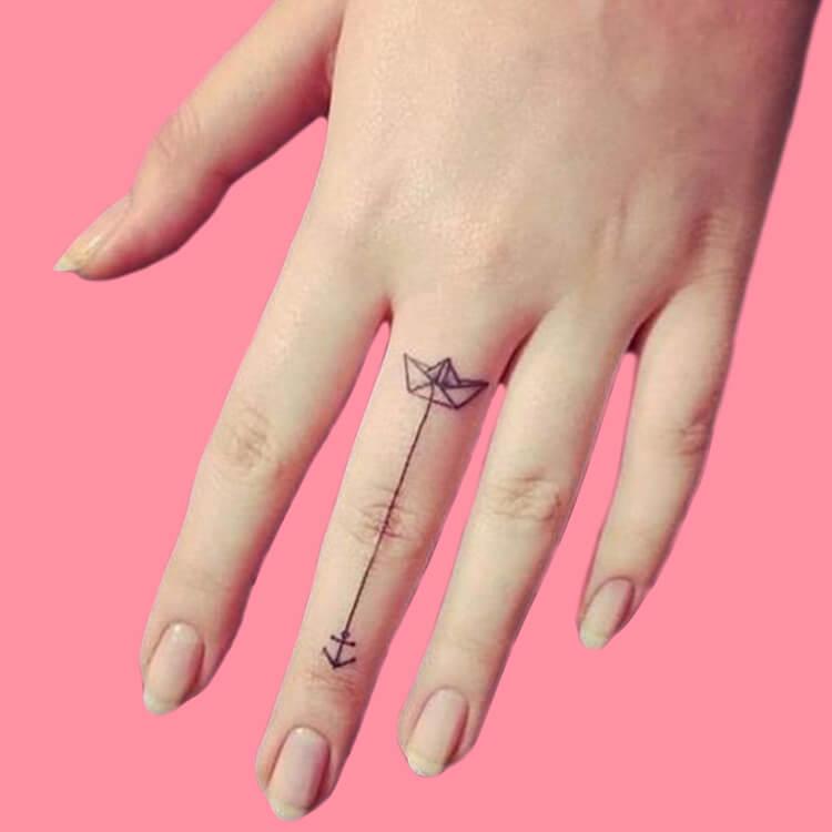 27+ Mini Finger Tattoos For Women Beauty 2019 Trend 13