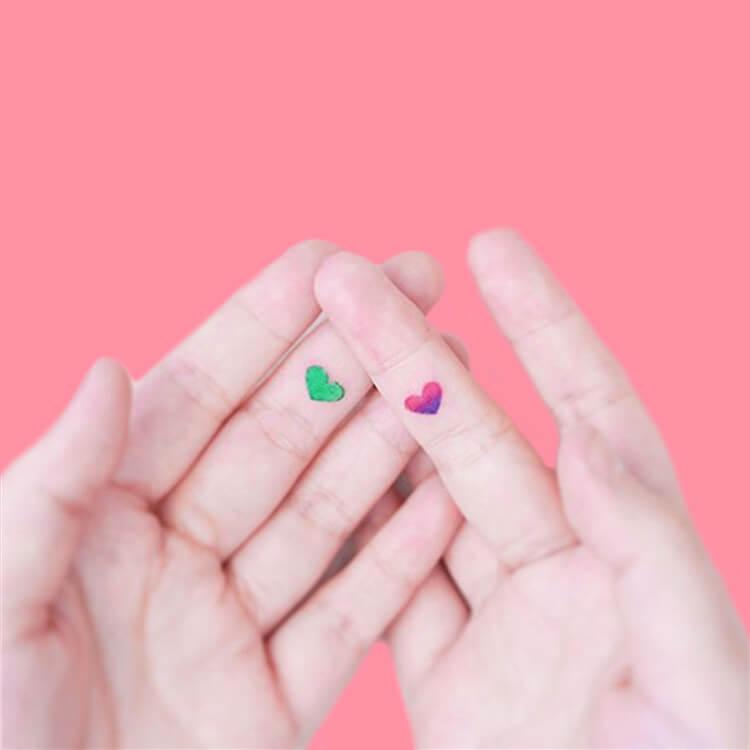 27+ Mini Finger Tattoos For Women Beauty 2019 Trend 27