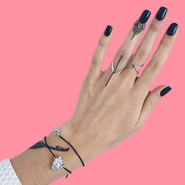 27+ Mini Finger Tattoos For Women Beauty 2019 Trend 4