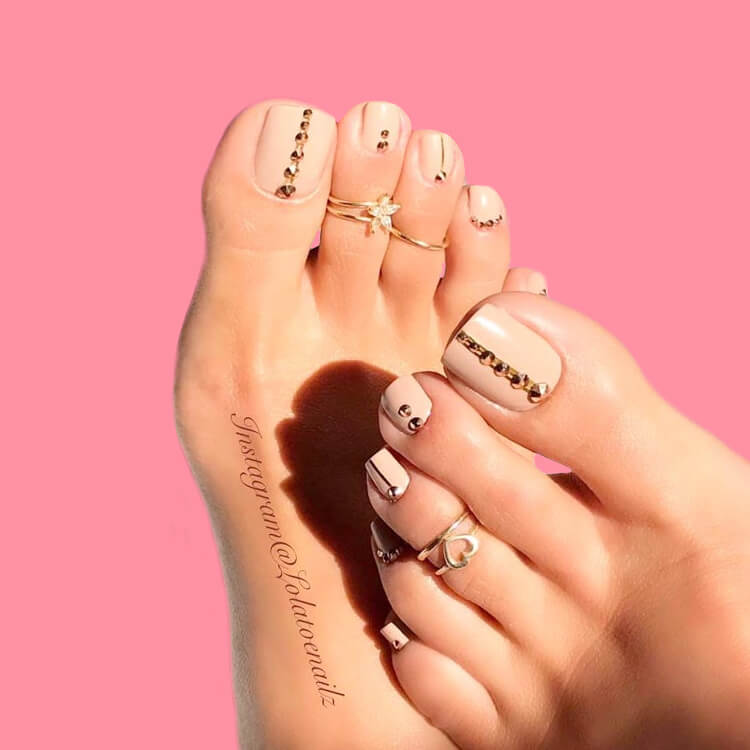 50+ Pretty Toe Nail Design You Should Try In This Summer 11