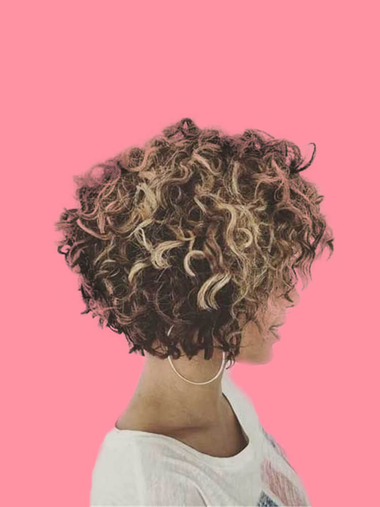 11 Attractive Short Curly Thick Hairstyles Trend in this Summer 2