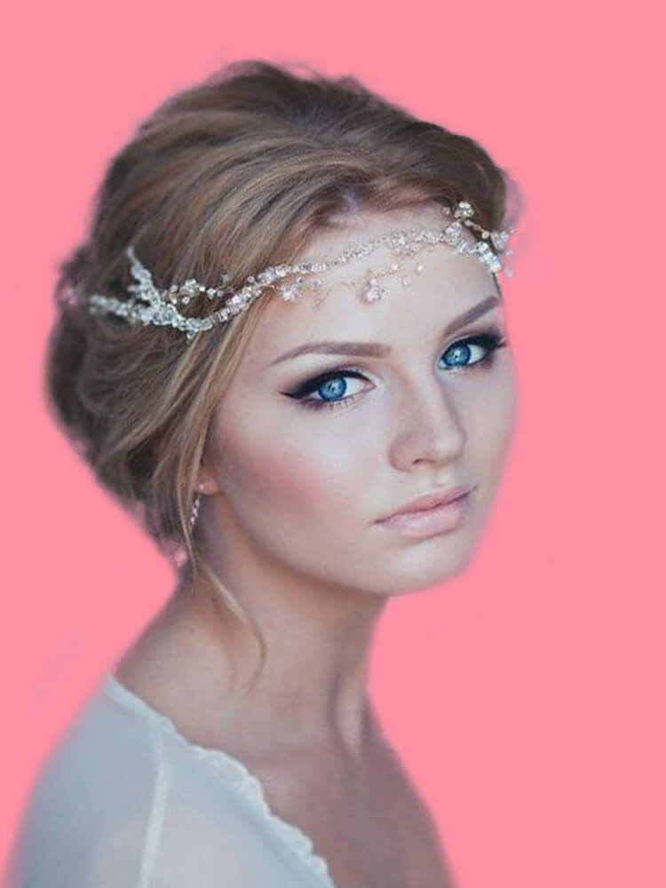 23 + Stunning Wedding Makeups and Hairstyles for Bride to try 5