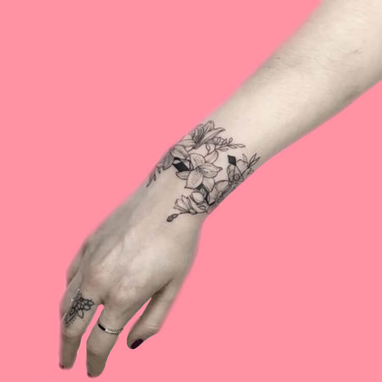 42 Mini Wrist Tattoo Designs to try in this Summer 1