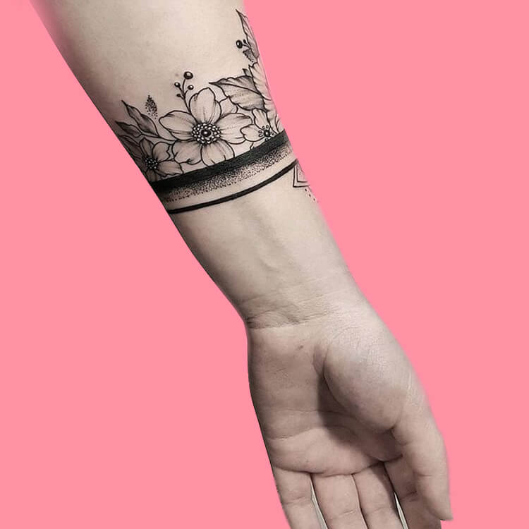 42 Mini Wrist Tattoo Designs to try in this Summer 2