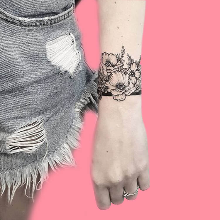 42 Mini Wrist Tattoo Designs to try in this Summer 41