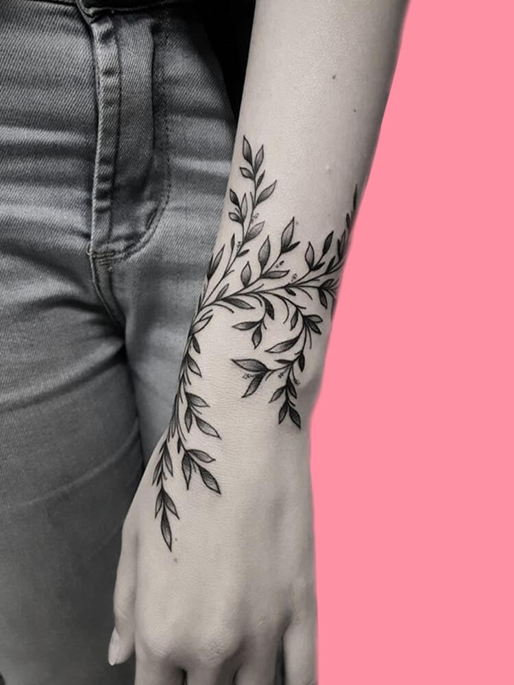 42 Mini Wrist Tattoo Designs to try in this Summer 6