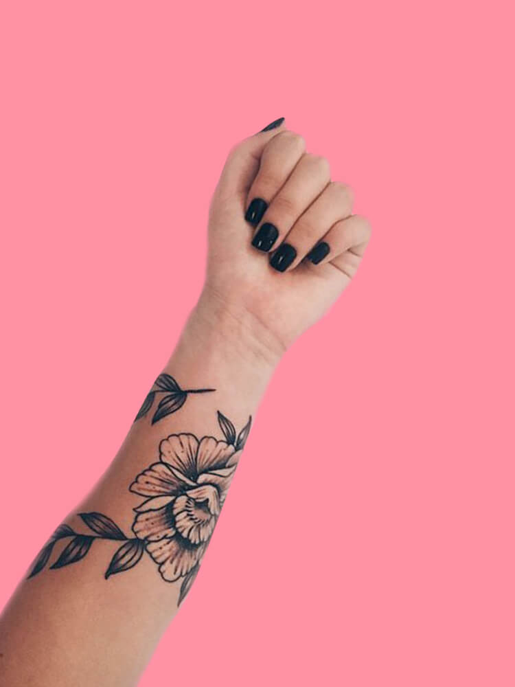 42 Mini Wrist Tattoo Designs to try in this Summer 7