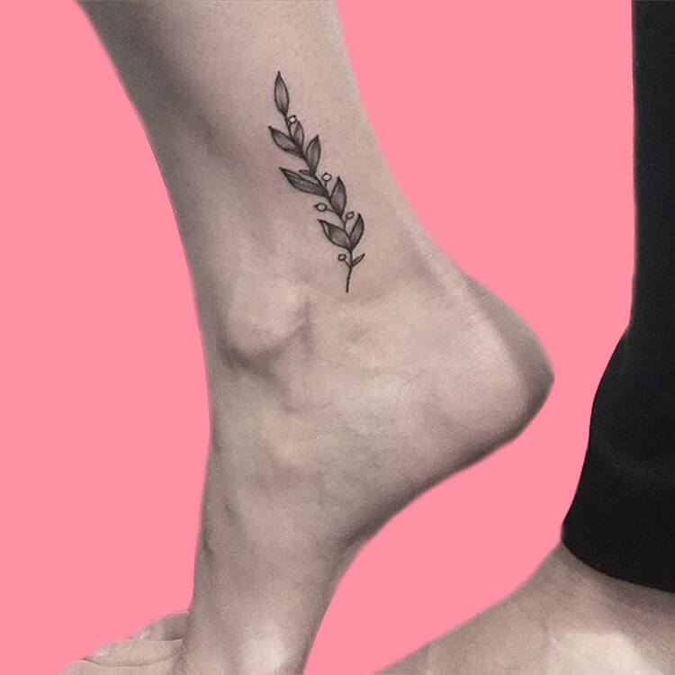 44+ Wonderful Foot Tattoos to try on foot and ankle 2019 Summer 38