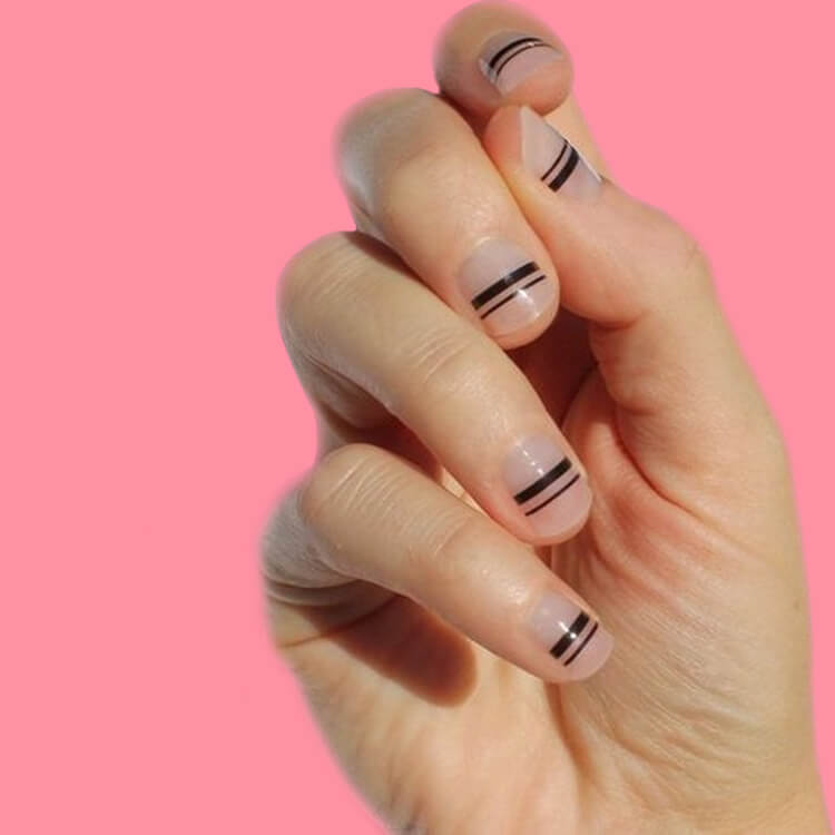 36+ Simple Strips Line Nail Art Designs to try 13