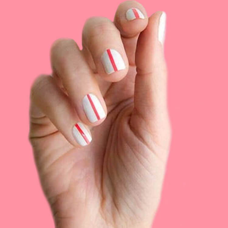 36+ Simple Strips Line Nail Art Designs to try 15