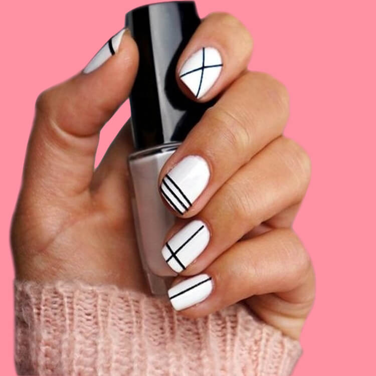 36+ Simple Strips Line Nail Art Designs to try 21