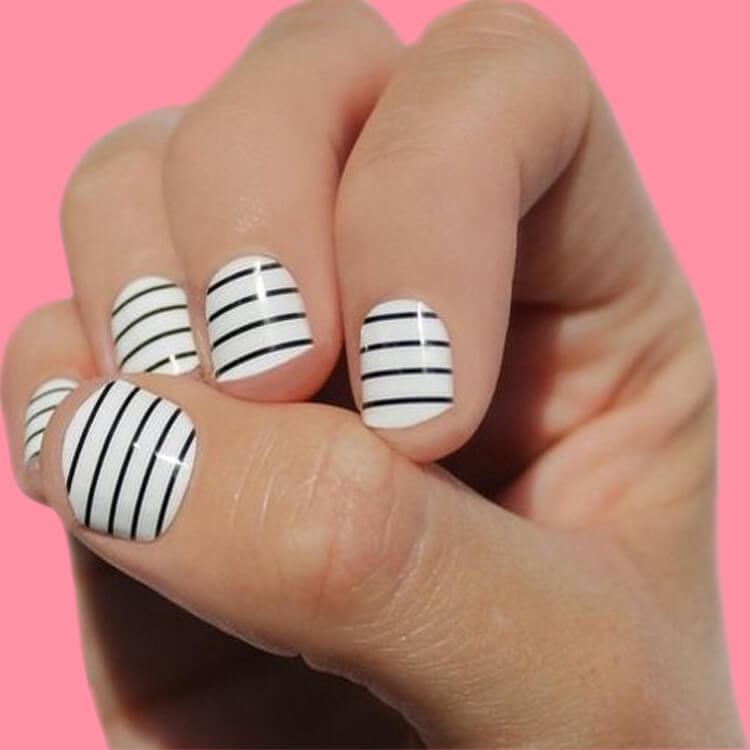 36+ Simple Strips Line Nail Art Designs to try 23