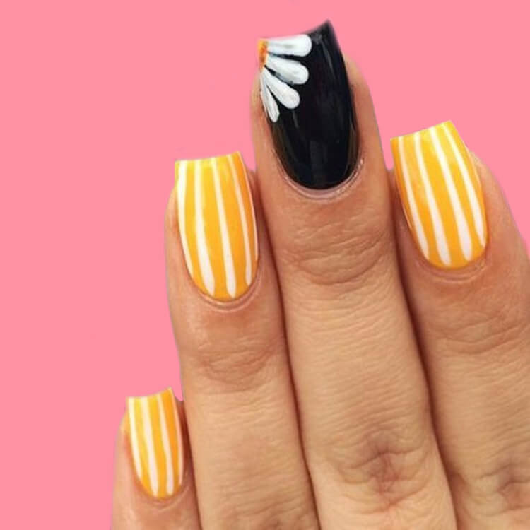 36+ Simple Strips Line Nail Art Designs to try 25