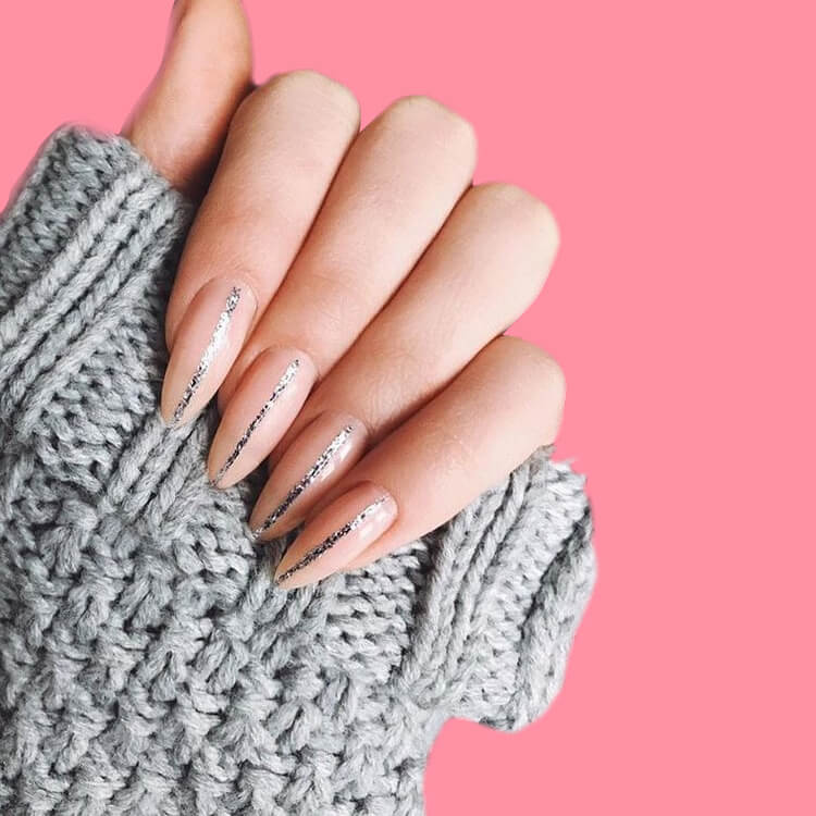 36+ Simple Strips Line Nail Art Designs to try 30