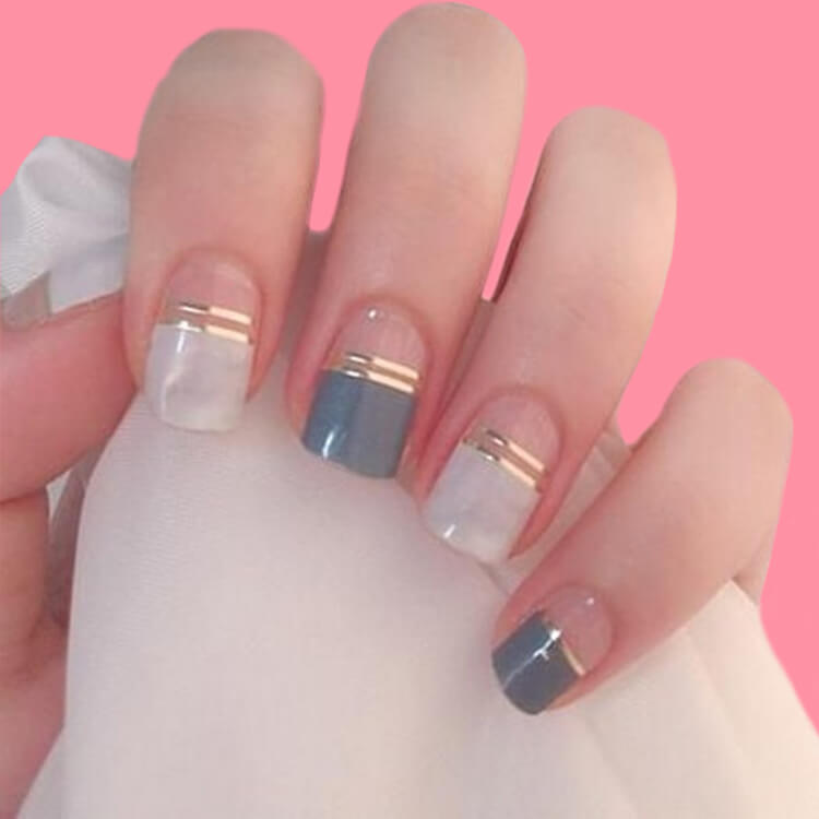 36+ Simple Strips Line Nail Art Designs to try 31