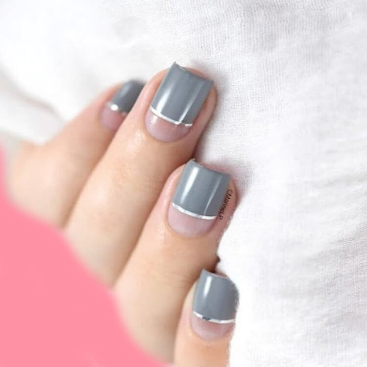 36+ Simple Strips Line Nail Art Designs to try 33