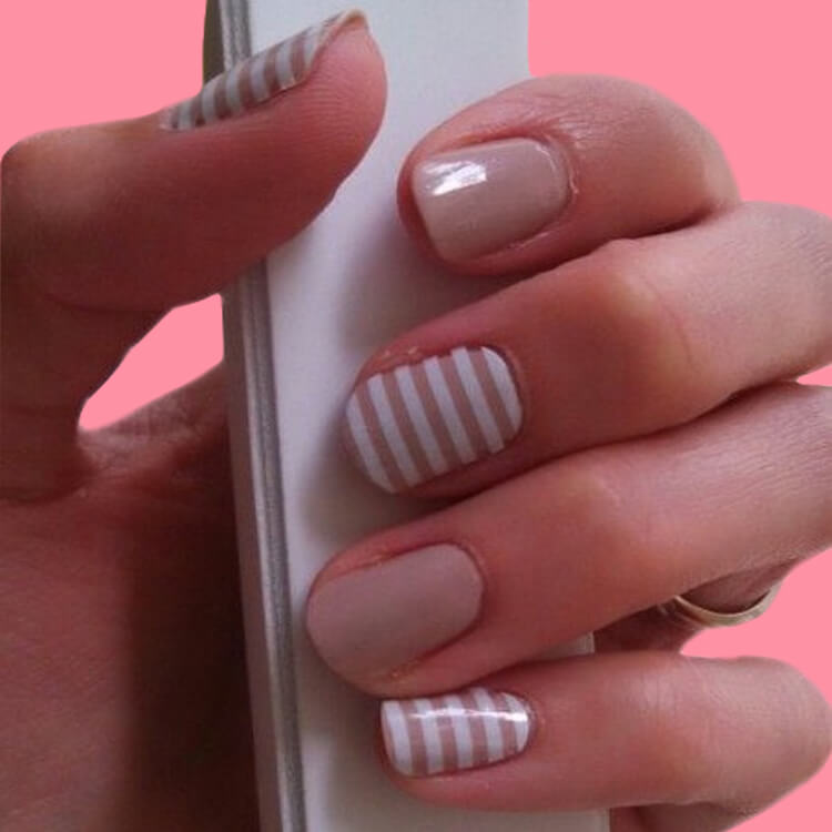 36+ Simple Strips Line Nail Art Designs to try 36