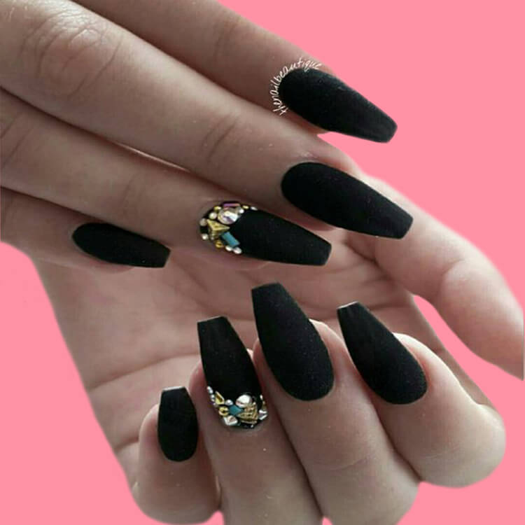 40 Cool Matte Black Coffin Nail Ideas to try 17