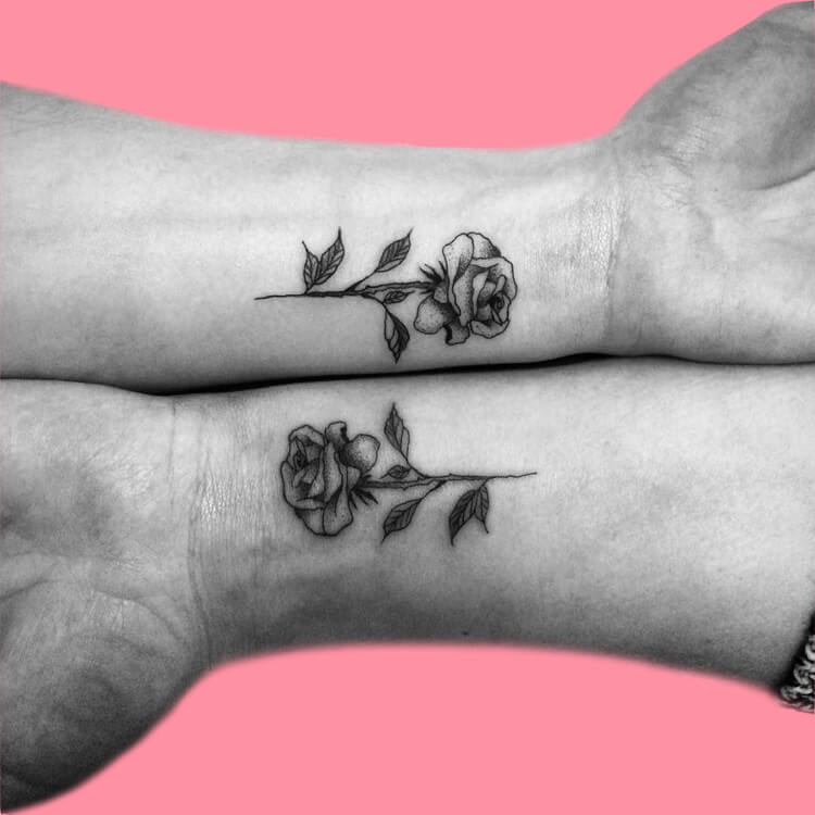 45+ Romantic Rose Tattoo Ideas to try for lady beauty 17