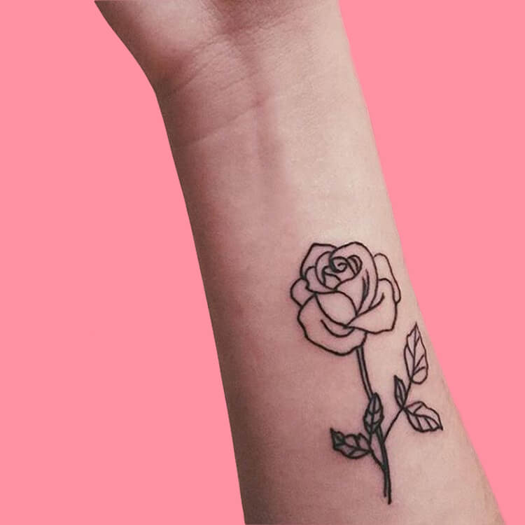 45+ Romantic Rose Tattoo Ideas to try for lady beauty 30