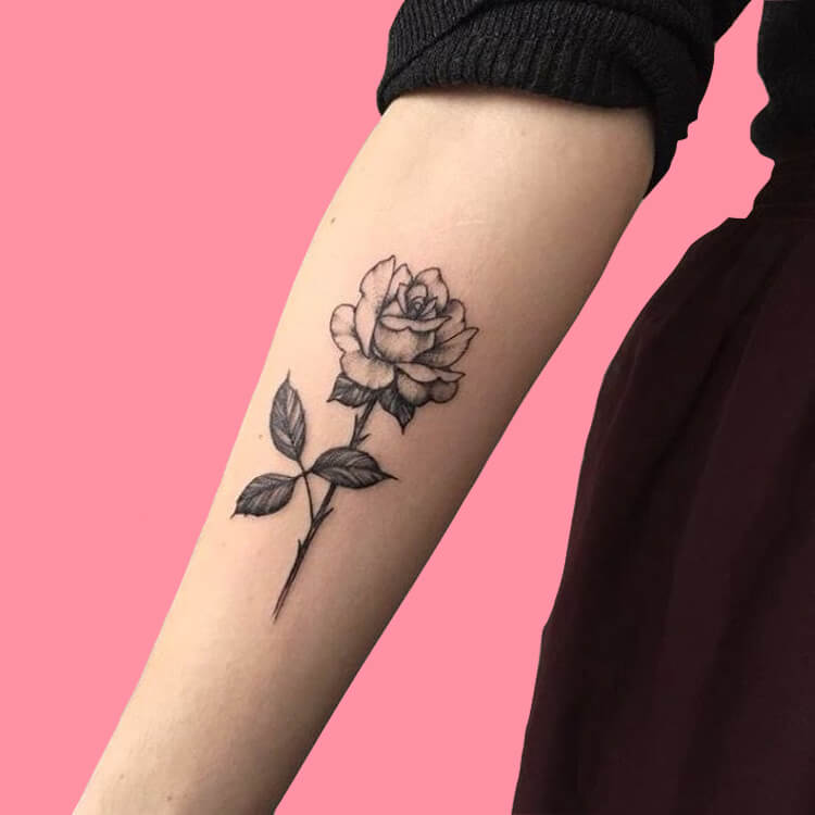 45+ Romantic Rose Tattoo Ideas to try for lady beauty 31