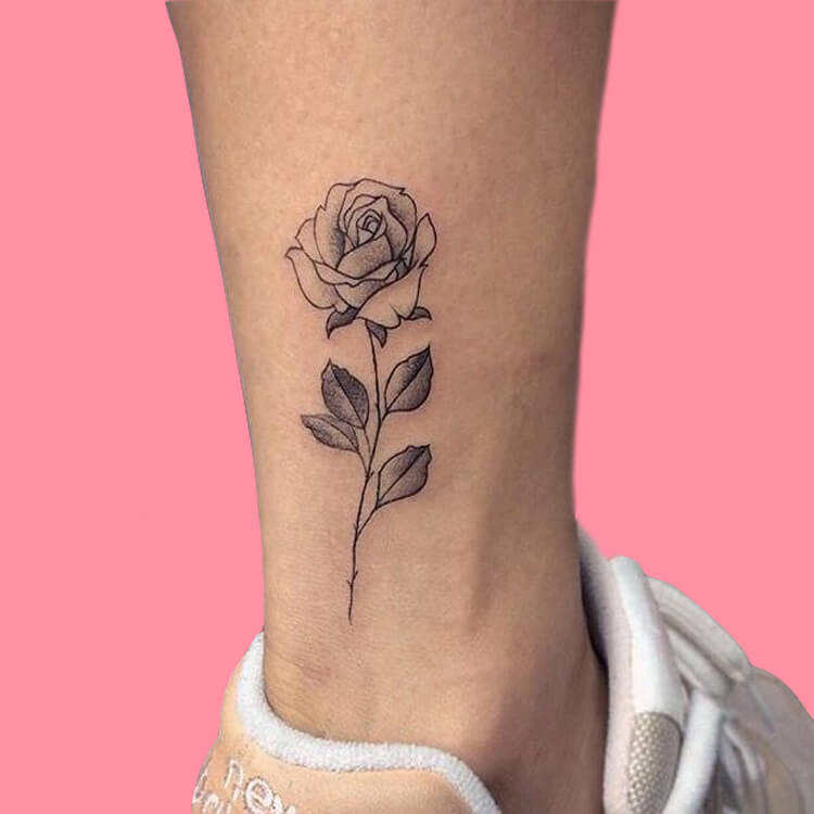 45+ Romantic Rose Tattoo Ideas to try for lady beauty 32