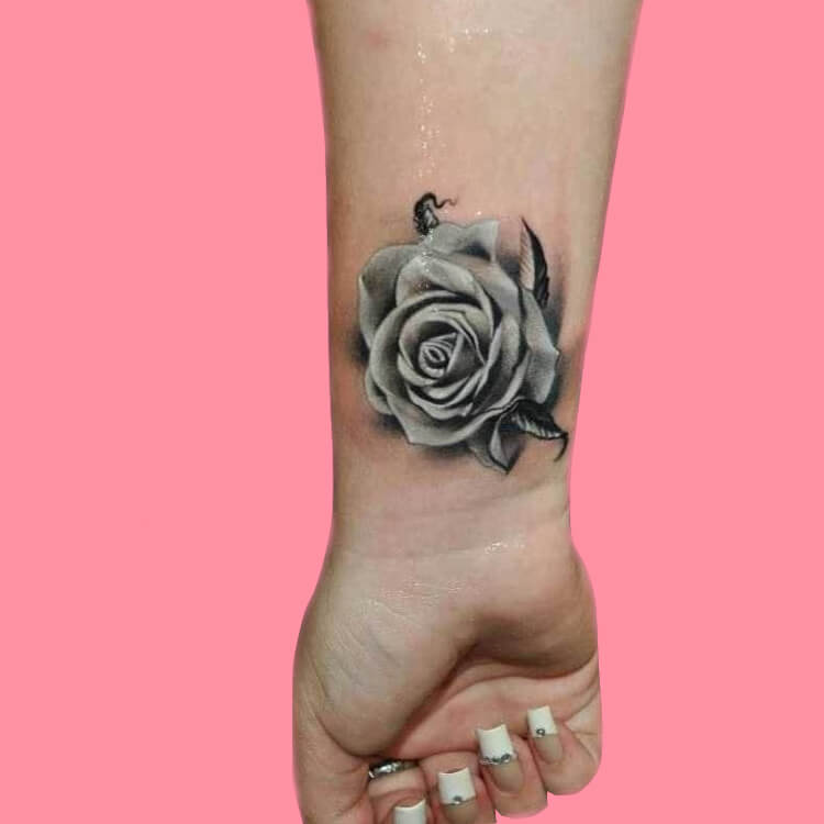 45+ Romantic Rose Tattoo Ideas to try for lady beauty 39