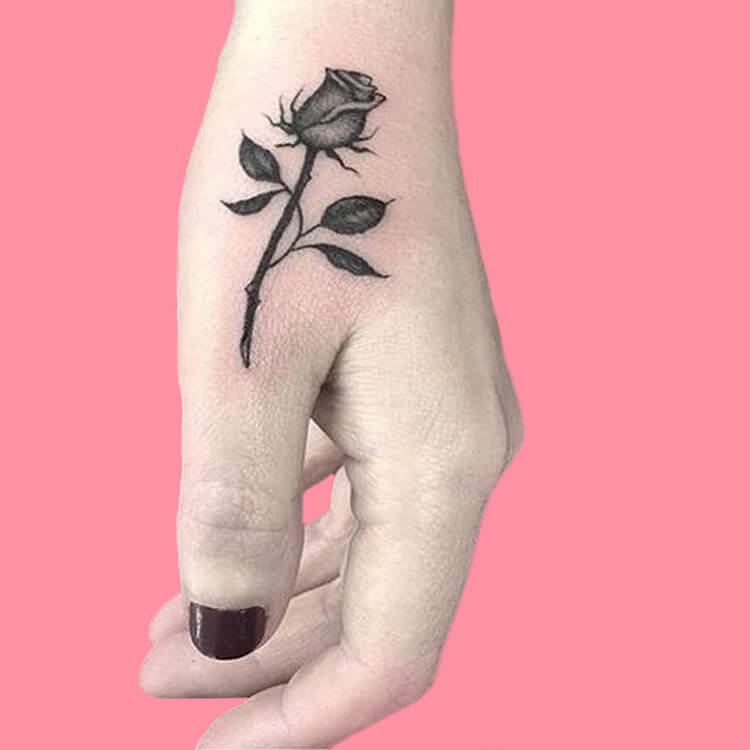 45+ Romantic Rose Tattoo Ideas to try for lady beauty 4