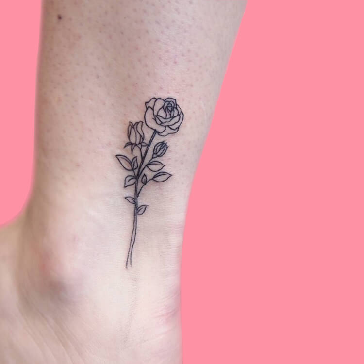 45+ Romantic Rose Tattoo Ideas to try for lady beauty 6