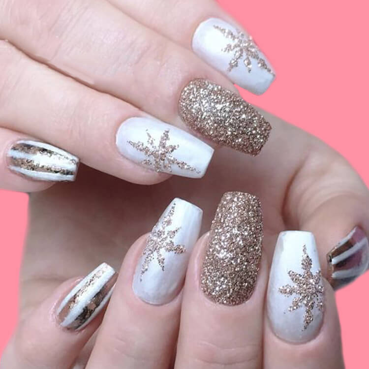 Christmas Nail Ideas 24