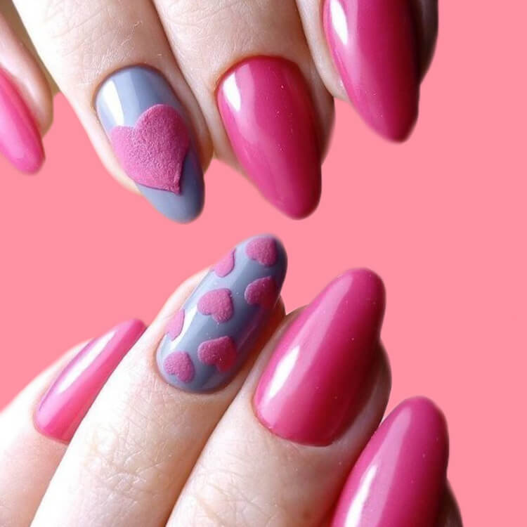 Show all Valentine's Day Nails Design for Romantic Day 17