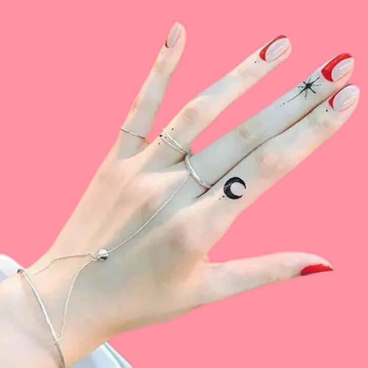 27+ Mini Finger Tattoos For Women Beauty 2019 Trend 30