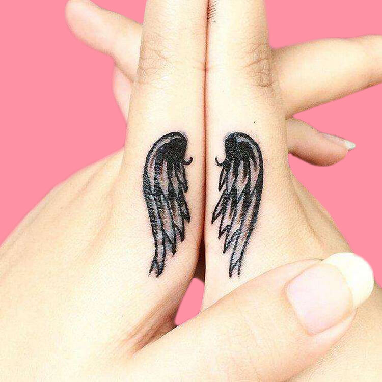 27+ Mini Finger Tattoos For Women Beauty 2019 Trend 31
