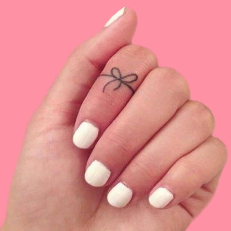 27+ Mini Finger Tattoos For Women Beauty 2019 Trend 40
